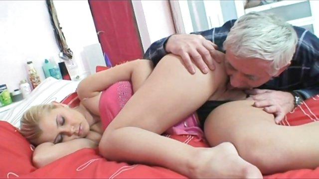فیلم های سکسی افراد مسن با دختر جوان.